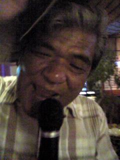 沖縄酒場で(笑)